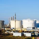 raffinerie Réservoirs pour le stockage des produits de raffinerie Rectifica photos stock