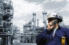Raffinerie und Ingenieur Stockbilder