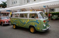 Raffles lądowisko Singapur, Lipiec, - 27, 2008: Rocznika wolkswagena samochód dostawczy Zdjęcia Stock
