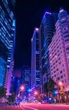 Raffles Quay Singapur i ulicy giełda papierów wartościowych budynku wieczór obrazy stock