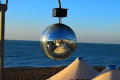 Raffreddi fuori sulla spiaggia di Brighton immagine stock libera da diritti