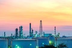 Rafineria przy zmierzchem Zdjęcie Royalty Free