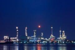 Rafineria ropy naftowej. Zdjęcia Stock