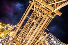 Rafineria Ropy Naftowej Przy wieczór Fotografia Stock