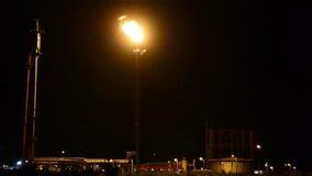 Rafinerii nocy pochodnia zbiory wideo