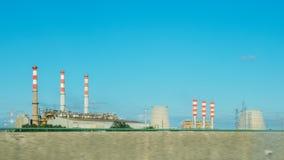 Rafinerii Ropy Naftowej fabryka w ranku, zakład petrochemiczny, ropa naftowa zdjęcie royalty free