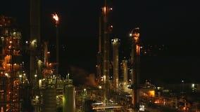 Rafinerii Ropy Naftowej nocy raca zdjęcie wideo