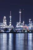 Rafinerii ropy naftowej rośliny noc scena w Tajlandia Obraz Royalty Free