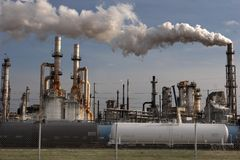 rafineryjny ropy naftowej obraz royalty free