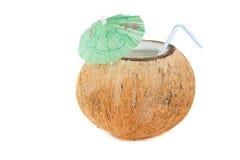 Rafraîchissement tropical de noix de coco photographie stock libre de droits