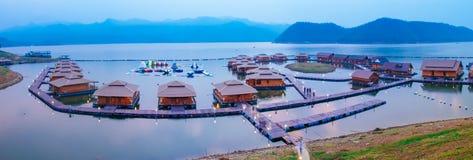 Raft houses on Lakeside in Kanchanaburi Royalty Free Stock Photography