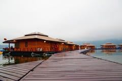 Raft houses on Lakeside in Kanchanaburi Royalty Free Stock Photos