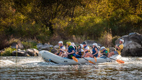 Rafting στην Ουκρανία Διασκέδαση, επικίνδυνη, τολμηρή δράση Στοκ Φωτογραφία