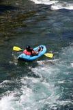 Rafting de vlotterbuis van de stroomversnellingrivier Stock Afbeeldingen