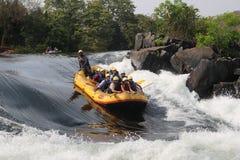 Rafting del fiume attraverso le acque difficili di Dandeli immagini stock libere da diritti