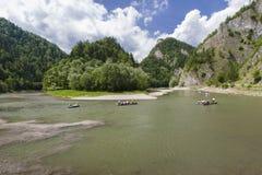 Rafting på den Dunajec floden Royaltyfri Fotografi