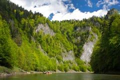 Rafting på den Dunajec floden Royaltyfri Bild