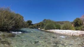 Rafting på för Grekland för destination för flodAcheron enjoi för ferie för sommar för vieuw för landskap lopp arkivfilmer