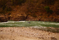 Rafting på floden Ganges Arkivbild