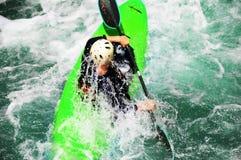 Rafting som extrem och rolig sport arkivbilder