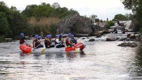 Rafting vattensportar, extrema sportar stock video