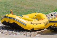 Raftingsboten in de rivierkant royalty-vrije stock foto
