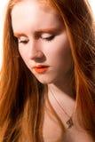 Ragazza abbastanza dai capelli rossi Immagini Stock Libere da Diritti