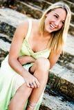 Ragazza abbastanza teenager con capelli biondi Fotografie Stock Libere da Diritti