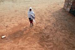 Ragazza adolescente in brick-field Fotografie Stock Libere da Diritti
