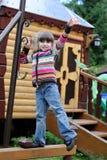 Ragazza adorabile del preschooler sul campo da giuoco Fotografie Stock Libere da Diritti