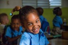 Ragazza affascinante con un bello sorriso Fotografie Stock Libere da Diritti