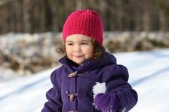 Ragazza all'aperto durante l'inverno Fotografie Stock