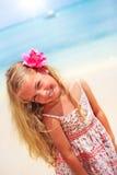 Ragazza alla spiaggia caraibica tropicale immagini stock