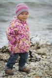 Ragazza in autunno al mare Fotografie Stock Libere da Diritti