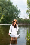 Ragazza bella in fiume Fotografia Stock Libera da Diritti