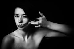 Ragazza in bianco e nero del rossetto Immagini Stock