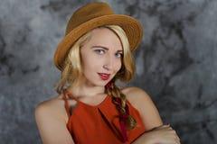 Ragazza bionda in cappello Fotografia Stock Libera da Diritti