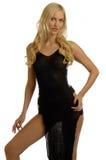 Ragazza bionda in vestito da sera fotografia stock libera da diritti