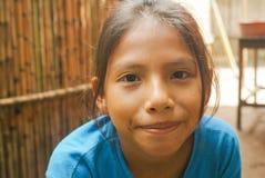 Ragazza in camicia blu in Bolivia Fotografia Stock