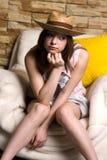 Ragazza in cappello giallo Fotografie Stock
