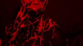 Ragazza castana con bodypainting sul corpo sotto forma di lava congelata video d archivio