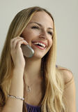 Ragazza che comunica sul telefono Fotografia Stock Libera da Diritti