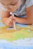Ragazza che esplora il programma di Eurasia Immagine Stock Libera da Diritti