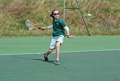 Ragazza che gioca tennis Fotografia Stock