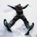 Ragazza che ha divertimento nella neve Immagini Stock