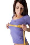 Ragazza che misura il suo seno perfetto Fotografia Stock Libera da Diritti