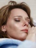 Ragazza che piange nell'attacco isterico Fotografia Stock