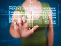 Ragazza che preme tipo virtuale di tastiera Fotografia Stock