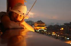 Ragazza che viaggia in Cina Immagini Stock