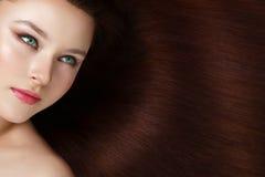 Ragazza con bei capelli lunghi Fotografie Stock